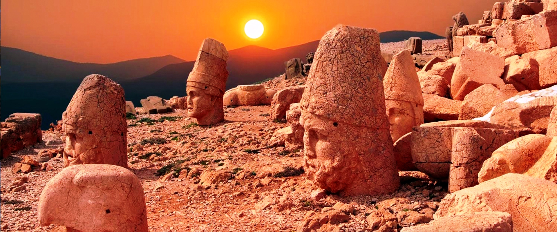 turkey-nemrut-dağı
